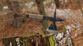 This throwing axe was based on medieval designs. It is made from 12050 carbon Steel. There is an…
